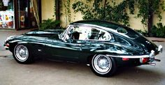1969 Jaguar e-type. Cars aren't really my thing but the e-type is trully beautiful. Classic Sports Cars, British Sports Cars, Classic Cars British, Sexy Cars, Hot Cars, My Dream Car, Dream Cars, Jaguar E Type 1961, Vintage Cars