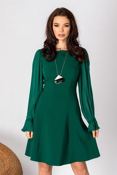 Zonia: Weekend cu reduceri de pana la 50% la rochii de zi si lansare Noua Colectie – Produse si Marci Cold Shoulder Dress, Green, Color, Lei, Dresses, Emerald, Cottage, Fashion, Stuff Stuff