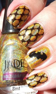 Not a fan of the lace patter, but the gold is amazing! PERFECT for Batman fanatics!