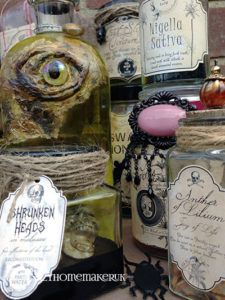 DIY Halloween potion bottles with 9 FREE Halloween Apothecary Labels for your Halloween decorations. Halloween Apothecary Labels, Halloween Bottle Labels, Halloween Potions, Halloween Items, Diy Halloween Decorations, Holidays Halloween, Spooky Halloween, Halloween Treats, Vintage Halloween