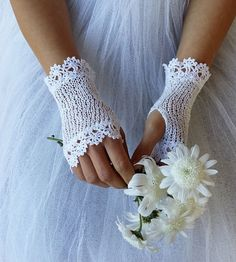 AURORA Crochet Fingerless Lace Bridal Gloves in pure white