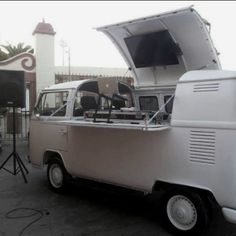 VW Bus DJ setup--> no freaking way!!