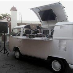 VW Bus DJ setup--> no freaking way!!