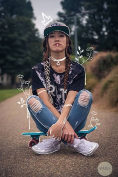 Skate Girl by Jota Vargas Salazar - You are in the right place about diy face mask sewing pattern Here we offer you the most beautiful - Photo Editing Vsco, Photography Editing, Creative Photography, Portrait Photography, Artsy Photos, Draw On Photos, Creative Photos, Photography Illustration, Photo Illustration