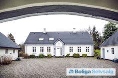 Holmgårdevej 22, 8632 Lemming - 4-længet landejendom v/Silkeborg - Med mulighed for erhverv og heste #landejendom #lemming #selvsalg #boligsalg #boligdk