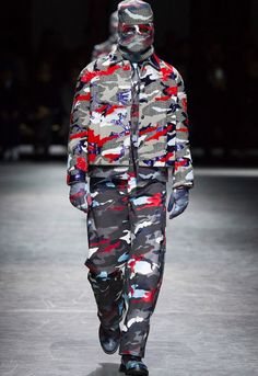 Moncler Gamme Bleu - that's Thom Browne's collaboration with ski-luxe outerwear giant Moncler - presented its FW16 collection.