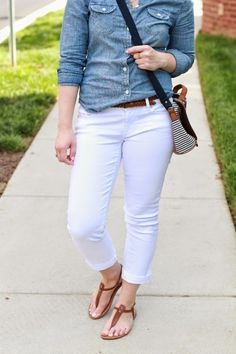 8e2193180439 What to Wear With White Jeans  20 Perfect Outfits