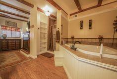 Ensuite Master Bathroom with jacuzzi tub!