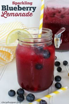 Sparkling Blueberry Lemonade Recipe. A refreshing and full of great flavor lemonade for summer.