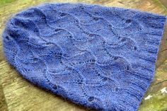 PATTERN Slouchy beanie hat / Instant download / Lace / One skein / Knitting /