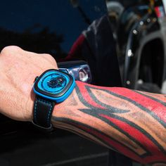 I'd rather be a little weird than all boring #SEVENFRIDAY #INDUSTRIAL #FRESH #FROM #PRESS #DESIGN #ARCHITECTURE #ENGINES #BLUE #COOL #IDEA #WRISTWATCH #WATCH #MOVEMENT