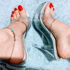 Sexy Legs And Heels, Hot High Heels, High Heels Stilettos, Beautiful High Heels, Beautiful Toes, Cute Toes, Pretty Toes, Jamel Shabazz, Long Toenails