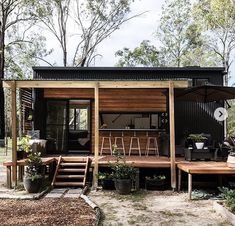 Small Tiny House, Modern Tiny House, Tiny House Cabin, Tiny House Living, Tiny House Design, Tiny House On Wheels, Tiny House Exterior Wheels, Small Japanese House, Modern Wood House