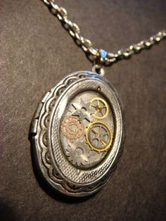 Steampunk Sprocket and Gear Locket Necklace - Antiqued Silver