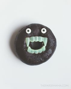 Monster Doughnut! Perfect for your upcoming Halloween party, or just for a funny Fall treat.