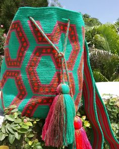 Hand-woven wayúu bag  Each piece takes around 25 days to weave by wayúu women in Colombia. Visit siriri.co to see all the beautiful and unique patterns. #wayúubags #mochilas #wayuumochila #handmade #madeincolombia #sustainablefashion #style #bohochic #color #fashion #siririshop