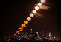 """""""متابعة ل #خسوف #القمر #العملاق  بعدسة كاميرا galaxy note 5 وباستخدام تقنية Time Lapse كل 28 دقيقة  منظر ولا بالخيال :) :) #SuperBloodMoon  #خسوف_القمر…"""""""