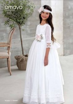 COMUNIÓN ARTESANÍA AMAYA 2017  A los mejores precios del mercado Pide cita por teléfono o whatsapp: Teléfono: 953.754.745  ... Première Communion, First Communion, Catholic Communion, Girls Communion Dresses, Birthday Dresses, Blush Flower Girl Dresses, Organza, Bridal Gowns, Wedding Dresses