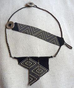 Geometric necklace and bracelet, black Beaded Jewelry Designs, Bead Jewelry, Peyote Beading, Beadwork, Beaded Bracelets, Necklaces, Geometric Necklace, Peyote Stitch, Bead Weaving
