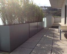langwerpige aluminium plantenbakken, gebruikt om een haag in te planten. te koop in alle maten en RAL kleuren