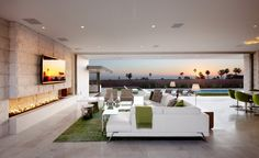 indoor-outdoor California living space // McElroy House | Ehrlich Architects | Laguna Beach, CA