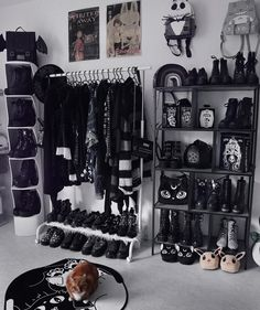 Grunge Bedroom, Goth Bedroom, Room Ideas Bedroom, Home Decor Bedroom, Gothic Bedroom Decor, Bedroom Black, Gothic Room, Victorian Bedroom, Gothic House