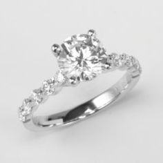 This is pretty.. Ellen what do you think of the single diamond?