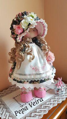 Esta é a gigi tem 30 cm fazer bonecas me aproxima do univerWinter Doll Christmas Doll Handmade Doll Gray Soft Doll Art Rag Doll Fabric Doll Nursery Doll Cloth Doll Toy Poupée Textile Doll by Tanya A ______________________________________________________ - Pretty Dolls, Beautiful Dolls, Fabric Dolls, Paper Dolls, Cat Fabric, Fabric Art, Doll Toys, Baby Dolls, Doll Painting