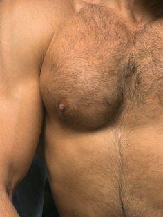 Big boob brunette woman nude pic