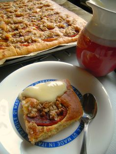 lumiukon leipomuksia: pellillinen omenapiirakkaa kauramurulla ja vanilijakastiketta, yammy yammy