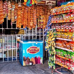 The typical convenience store full of chucherias #Guatemala - by Rudy A. Girón - Flickr