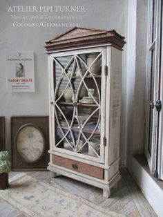 Old Cabinets, Antique Cabinets, Tiny Furniture, Foldable Table, Small Mirrors, Shabby Chic Style, Mantle, China Cabinet, Decorative Accessories
