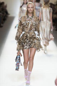 Fendi Spring 2017 Ready-to-Wear Fashion Show - Frederikke Sofie