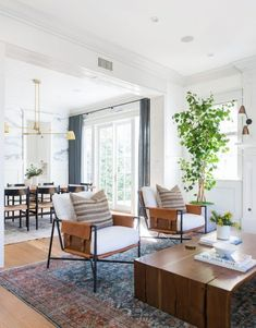 My Top Posts of the Year – jane at home My favorite pins of the week – Amber Interiors Living Room and Dining Room Living Room Inspiration, Home Decor Inspiration, Decor Ideas, 31 Ideas, Living Room Interior, Living Room Decor, Accent Chairs For Living Room, Br House, Amber Interiors