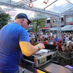 Summervibes DJ /MC DJ Con Nalez is een allround DJ die als geen ander weet hoe hij het publiek moet… Dj Events, Creedence Clearwater Revival, Tent, Dance, Dancing, Store, Tents
