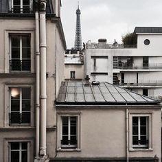 this is also Paris Tour Eiffel, The Places Youll Go, Places To See, Beautiful Buildings, Beautiful Places, Paris Balcony, Metro Paris, Paris Rooftops, Grand Paris