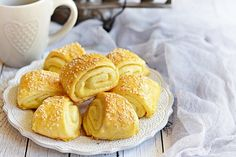 Orieškové kolieska z krehkého cesta - Mňamky-Recepty. Pretzel Bites, Fondue, Biscuits, Bread, Cookies, Baking, Breakfast, Easy, Hampers
