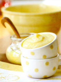 As much as I LOVE lemon...I don't think I've ever had lemon curd. I'm sure I'd love it though! Especially in these cute cups! Yellow Cottage, Rose Cottage, Yellow Houses, Lemon Recipes, Lemon Curd, Lemon Butter, Lemon Yellow, Lemon Lime, Mellow Yellow