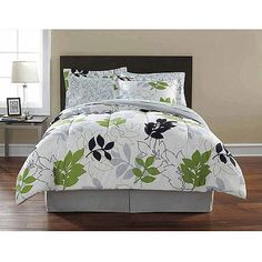 Mainstays Leaf Toss Complete Bedding Set, Black/Green Floral Just got this for our guest bedroom! Twin Comforter Sets, Bedding Sets, Pillow Shams, Green Bedding, Black Bedding, Bed In A Bag, King Pillows, New Beds, Ideas