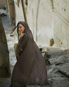 Iranian woman - #Iran المرأة الإيرانية - #إيران Muslim Girls, Muslim Women, Iran Girls, Persian Beauties, Persian Girls, Iranian Women Fashion, Arab Women, Stylish Girl Pic, Girl Photography Poses