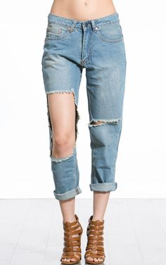 makemechic.com Cut Out Jeans, Fall Jeans, Capri Pants, Clothes, Style, Fashion, Cut Jeans, Outfits, Swag