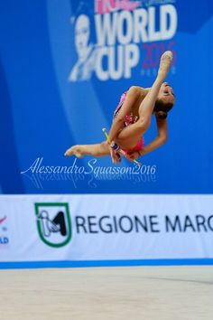 Dina Averina (Russia) won bronze in clubs at World Cup (Pesaro) 2016