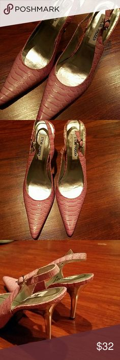 Like new Steve Madden pink point toe heels 8 1/2 Gorgeous Steve Madden Shoes Heels