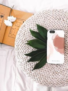 Chevron design phone case for Iphone and Samsung Galaxy Cool Iphone Cases, Iphone Phone Cases, Love Wallpaper, Laptop Wallpaper, Desktop Wallpapers, Rose Phone Case, Macbook Skin, Thing 1, Art Case
