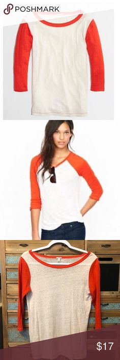 🎉HP🎉 J Crew Linen Baseball Tee 3/4 Length sleeves, EUC, Super Soft and super lightweight! Don't like the price Make me an offer 💸 you don't know if you don't ask... I do bundle offers 🎉 Fast same or next day shipping 📦💨 J. Crew Tops