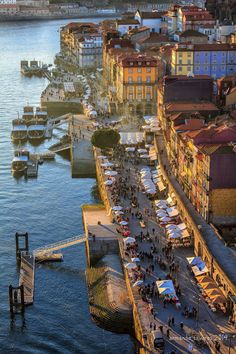 Easy living by the Douro River - Porto, Portugal. To learn more about Porto, click here: http://www.greatwinecapitals.com/capitals/porto