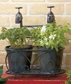 Black Rustic Double-Faucet Planter Garden Decor Vintage Old Fashion Pots