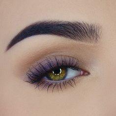 Geheimnisse eines schönen Make-ups für grüne Augen Secrets of a beautiful make-up for green eyes Makeup Inspo, Makeup Inspiration, Makeup Tips, Makeup Geek, Makeup Videos, Makeup Products, Skin Makeup, Eyeshadow Makeup, Easy Eyeshadow