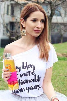 Tea Blog, About Me Blog, T Shirts For Women, Blogging, Fashion, Moda, Fashion Styles, Fashion Illustrations
