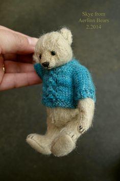 Skye, OOAK Miniature Mohair Artist Teddy Bear from Aerlinn Bears